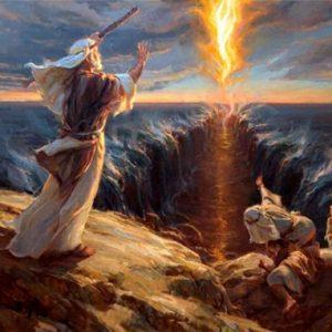 Моисей раздвигает море