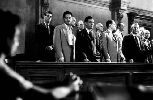 12 разгневанных мужчин-в суде