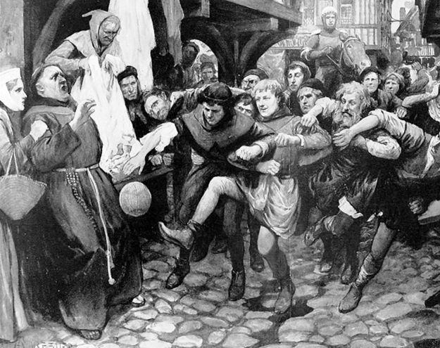 Средневековый футбол