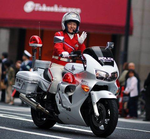 японской-дорожной-полиции