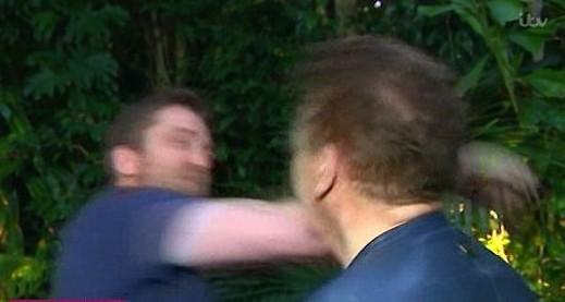 Джерард Батлер ударил журналиста