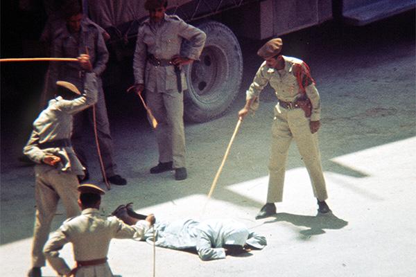 Наказание палками в Саудовской Аравии