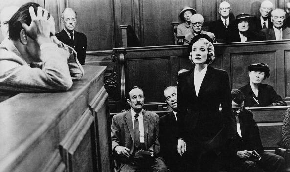 Свидетель обвинения-сцена